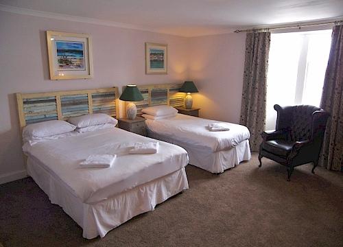 Lochgilphead-hotel-room