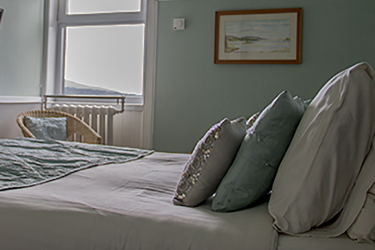 loch-melfort-oban-hotel-main-house-bedroom