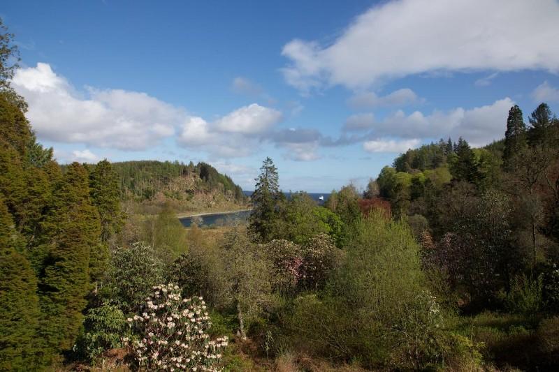 Castle-Gardens-Looking-Over-Loch